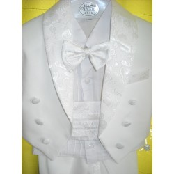 White suit for boy, with...